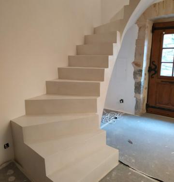 escalier en béton ciré.jpg