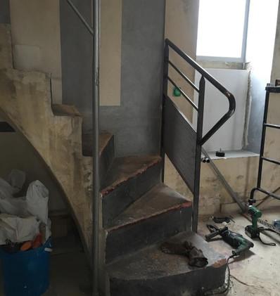rénovation escalier en béton ciré.jpg