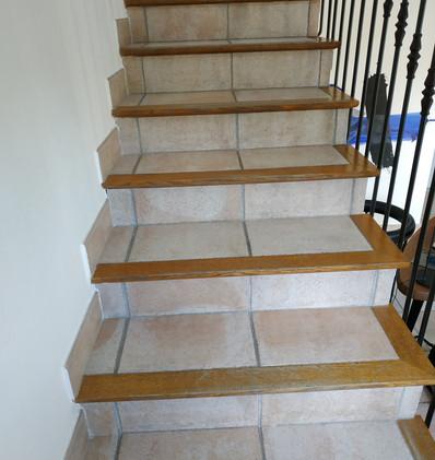 escalier avant .jpg