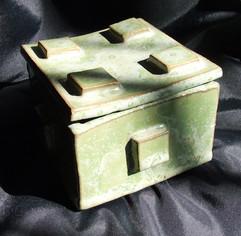 Japanese+style+ceramic+box.jpg