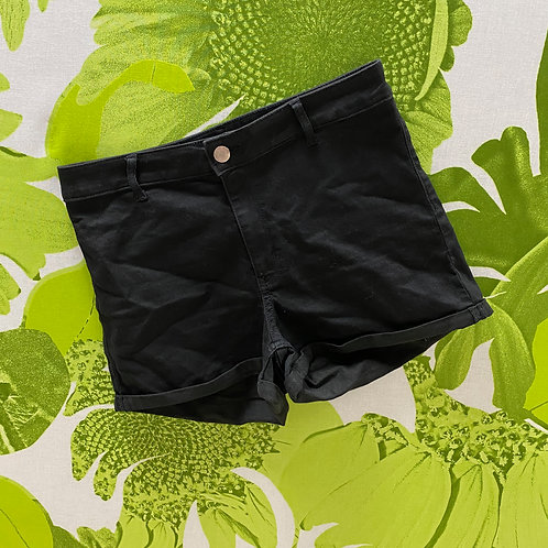 Mom Shorts with Cuffs by Divided