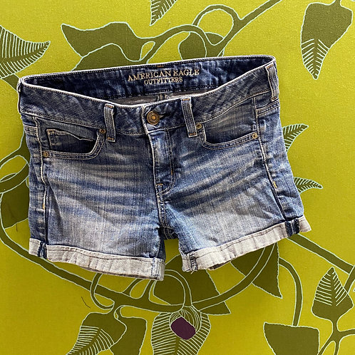 American Eagle Washed Denim with Cuff Shorts (4)