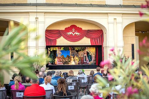 sommerbühne open air schönbrunn.jpg