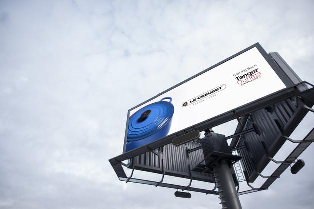360_billboard_9.6x3.6m_mockup_04.jpg
