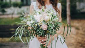 This color palette looks great in all wedding photos
