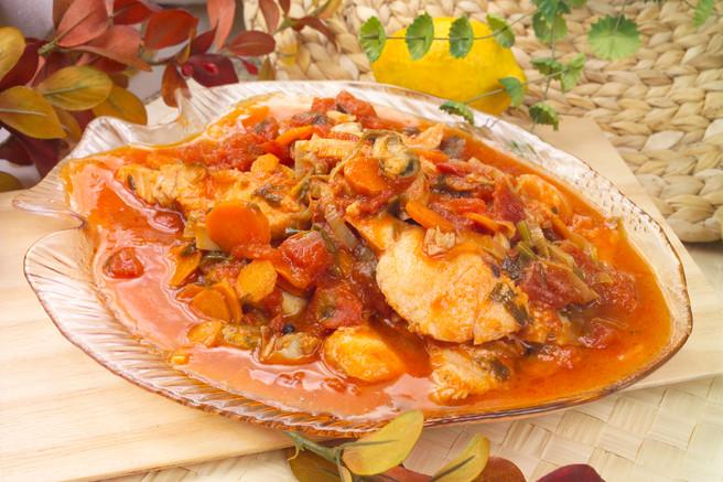 Рыба с овощами и морепродуктами