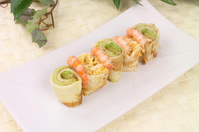 Роллы из блинчиков с сыром креветками и авокадо
