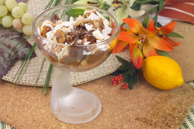 Десерт с шоколадной пастой