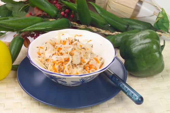Салат капустный с тмином