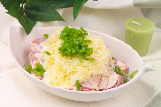 Салат из редиса с сыром