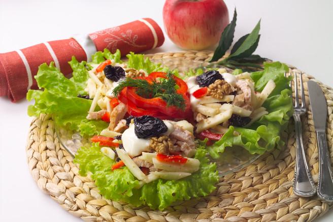 Салат праздничный из индейки