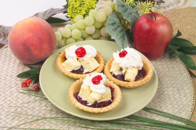 Корзиночки с фруктовым мармеладом и мороженым