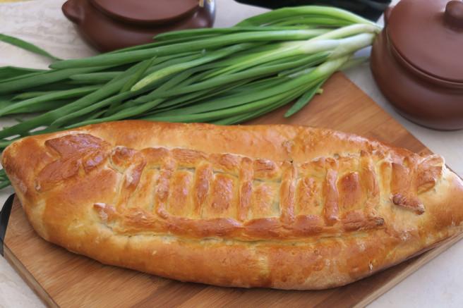 Пирог с зелёным луком