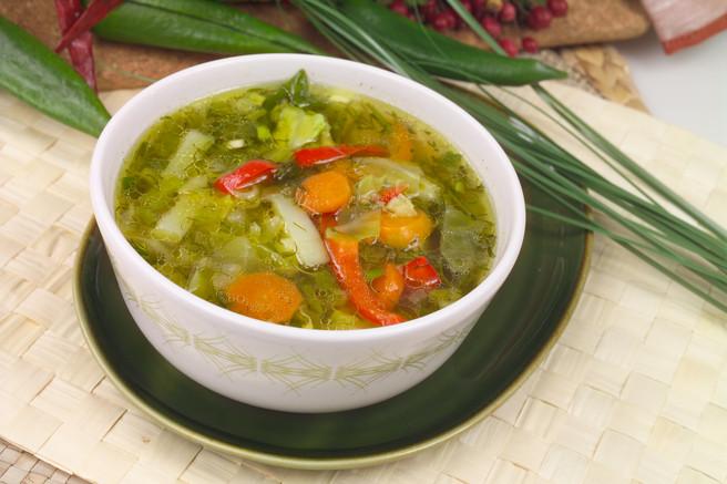 Суп из ранних овощей