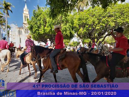 Cerca de 2 mil cavaleiros participam da 41ª procissão de São Sebastião