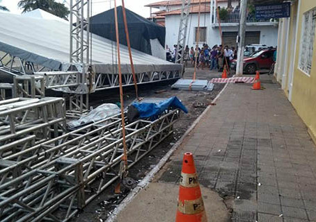 Acidente durante desmontagem de palco deixa 2 mortos em Brasilia de Minas