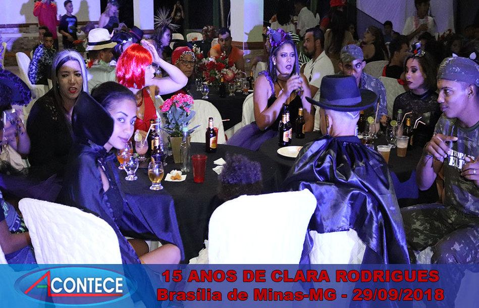 15 ANOS DE CLARA RODRIGUES (131).jpg