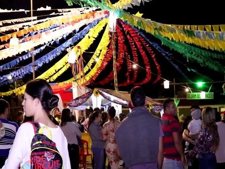 Brasilminenses se divertem na abertura da tradicional Festa de São João Batista