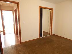 585 Bunker Bedroom 1