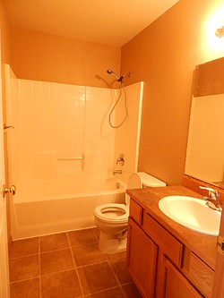 6231 Trestle #2 Hall Bath