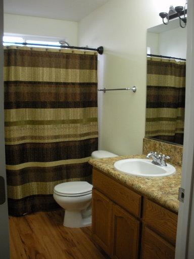 3279 manning bathroom 2