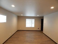 15077 Anthony Living room