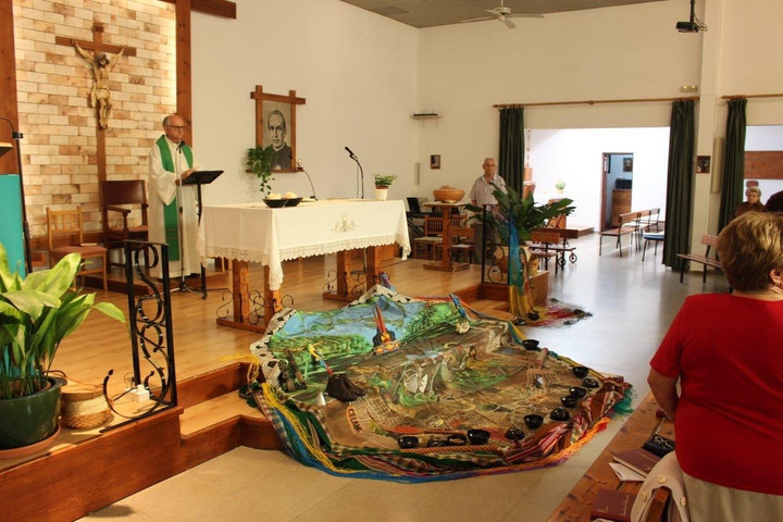 TV CELEBRITY PRIEST HOSTS PACHAMAMA AT MASS IN SPAIN