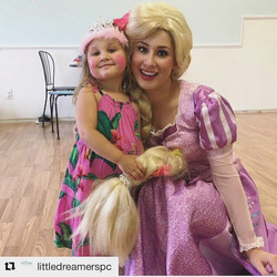 Rapunzel had such a wonderful time yesterday at _littledreamerspc !! 🎨🌸🌼👑