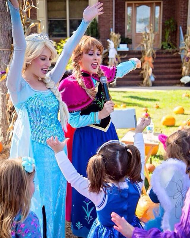🎶 Let it Go! 🎶 The Princesses had a wonderful time at The Purple Pumpkin Fair