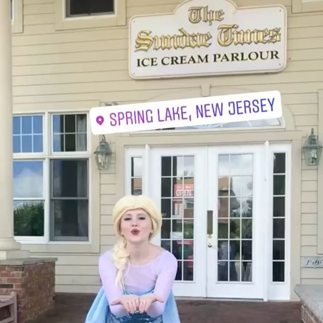 🏛🍦❄️Elsa had a blast visiting a very special birthday girl at her birthday at _sundaetimes in Spri