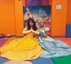 Belle and Cinderella had the most marvelous time at _gymboreehillsborough today! 🤹♀️✨ Thank you to