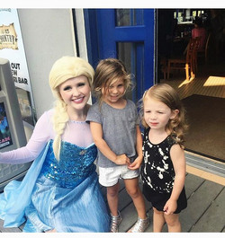 The Ice Queen was so excited to run into some familiar faces on the boardwalk tonight! The last time