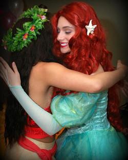Hug a fellow princess today 💖👸🏼🧜♀️ _shopsellstrut #troyalexanderphotography