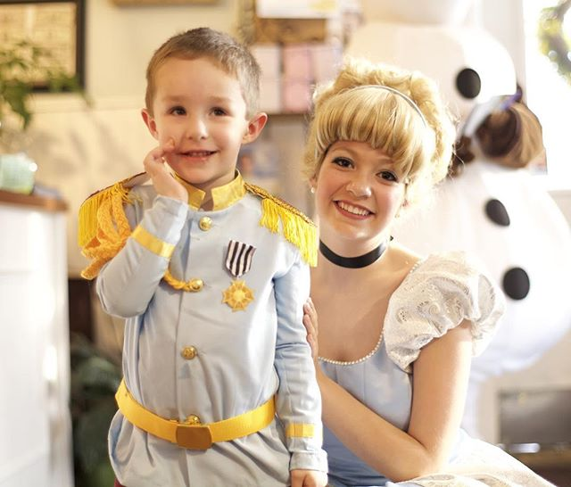 Prince Charming and Cinderella! Yesterday's Frozen Tea Party was a success! Thank you all for attend