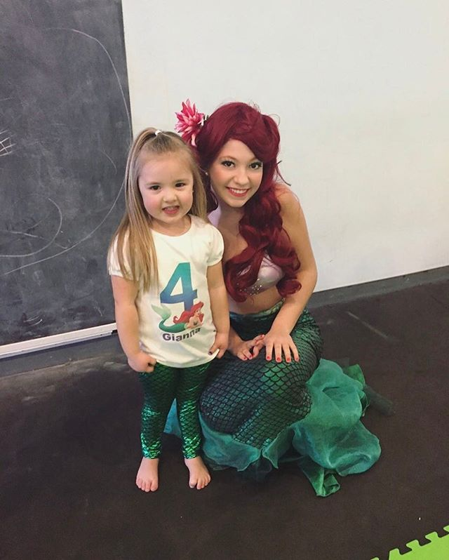 Happy #Mermaidmonday! 🐙 Ariel had pool mermaid parties and _land_ mermaid parties this weekend! We
