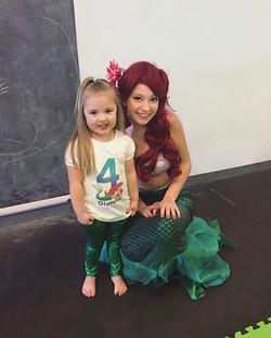 Happy #Mermaidmonday! 🐙 Ariel had pool mermaid parties and _land_ mermaid parties this weekend! We