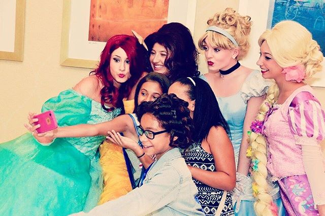 Did someone say SELFIE ⁉️💁📸 #princess #partyfairynj #selfie #disneyprincess #newjersey #ariel #cin