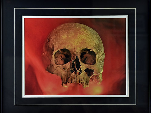 Stefan Eberhard: Skull with Red Smoke