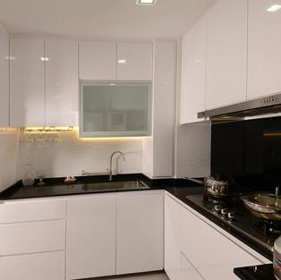 Kitchen Cabinet KC1005