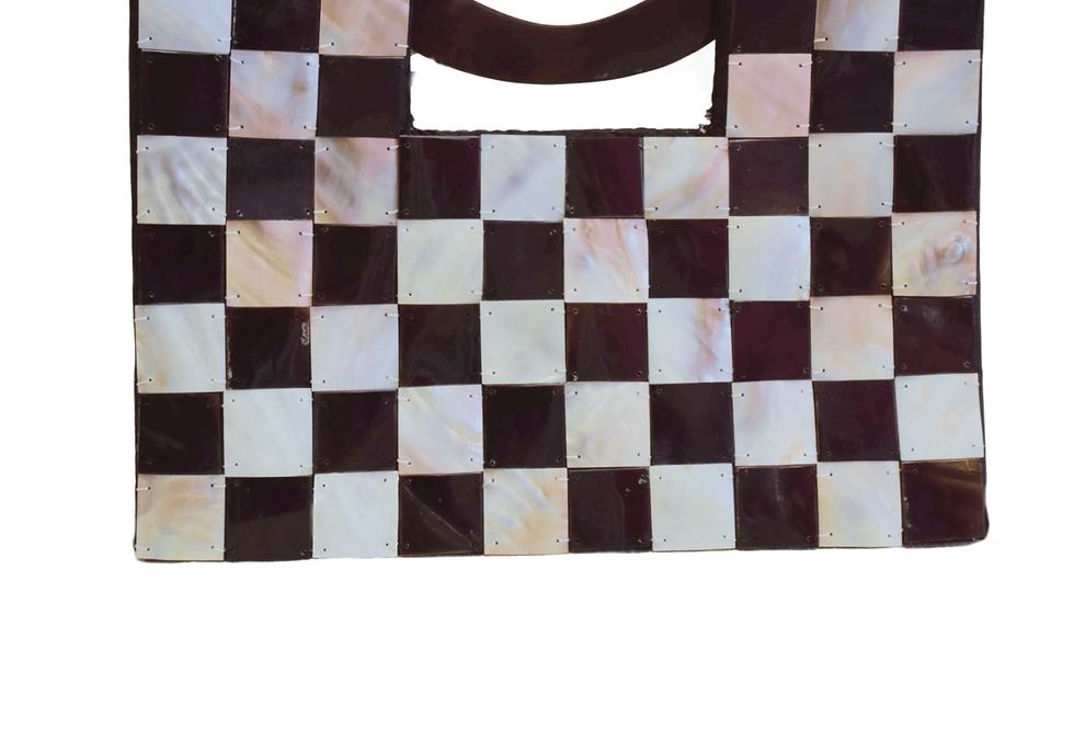 Black abd White Pearl Chess