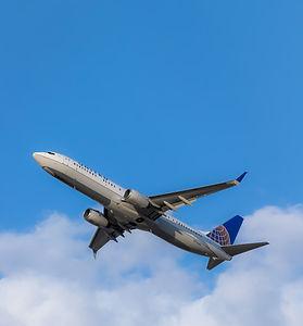 United%2520Airlines%2520737-900%2520taking%2520off_edited_edited.jpg