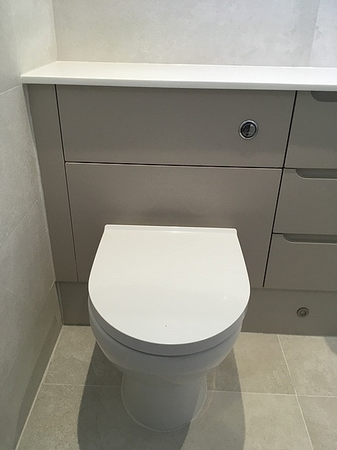 Fitted Furniture & WC