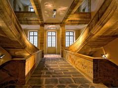 CNCS.Escalier central en grès du bourbonnais