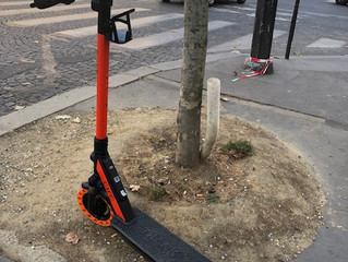 夏のバカンス パリ編 便利なキックボード