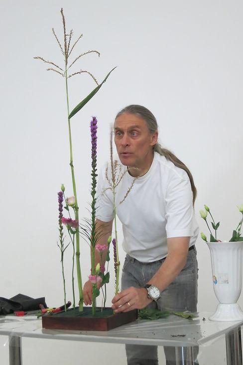 Егоров Юрий - профессиональный флорист-дизайнер, преподаватель флористики и композиции