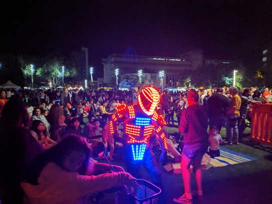 Glow LED Bot performer