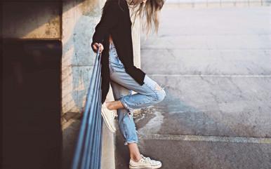 girl-983969_1920_1280_edited.jpg