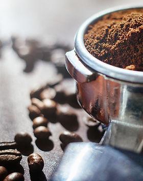 Caffeebedarf und Innenarchitekturprodukte. Mit SGS Gastro sind Sie nur einen Klick von allem entfernt, was Sie für Ihr Café, Restaurant oder Hotel benötigen. Holen Sie sich hochwertige Produkte zu günstigen Preisen, indem Sie jetzt online bestellen.