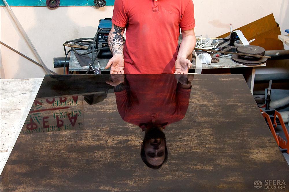 Мастерская Сфера Декора изготавливает состаренное зеркало