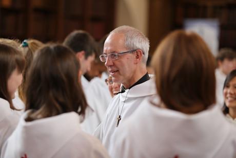 El Arzobispo de Canterbury, Justin Welby con miembros de la Comunidad de San Anselmo
